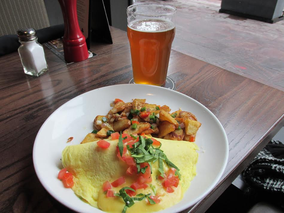 My guest enjoyed the Spinach & Feta Omelette with a Ninkasi Total Domination IPA